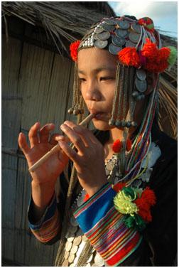 Pyan Sawvq, Akha Peu Sau Girl playing the Mae Lii Mae Lo
